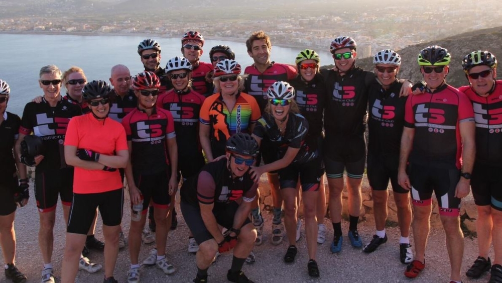 spain 2020 group pic cropped